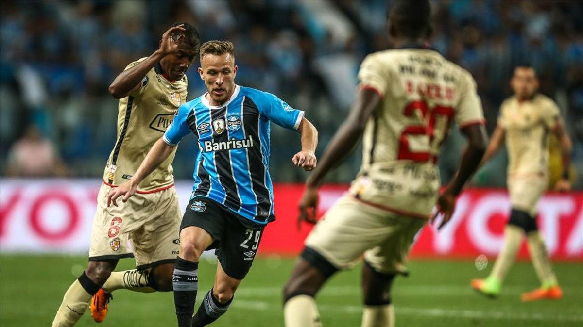 阿图尔:每个球员都会梦想为巴萨踢球;巴萨还没有正式报价