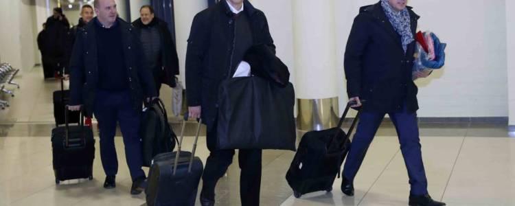 护照找不到了,马竞总经理只能在机场过夜