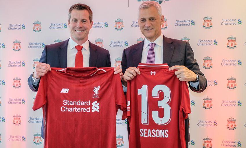 利物浦官方:球衣主赞助商渣打银行与球队续约至2022-2023赛季