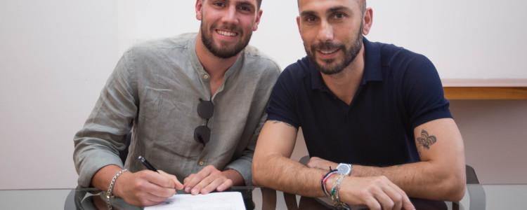 官方:博洛尼亚签下22岁罗马中卫卡拉布雷西