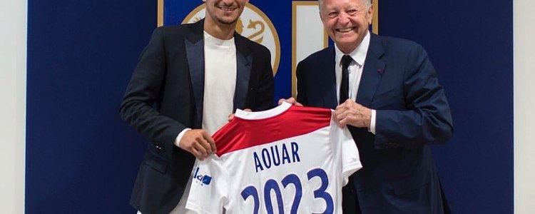 官方:里昂与新秀中场奥乌阿续约至2023年
