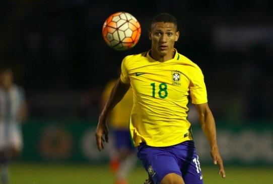 官方:埃弗顿边锋理查利森顶替伤员入选巴西国家队