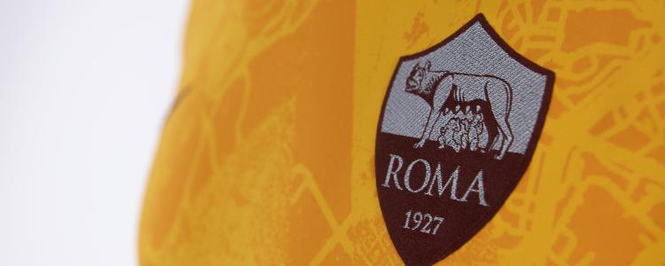官方:罗马发布新赛季第三套球衣,今晚对米兰将首次使用