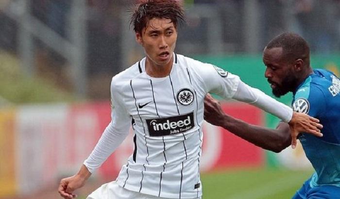 官方:法兰克福日本攻击手镰田大地租借加盟比利时联赛
