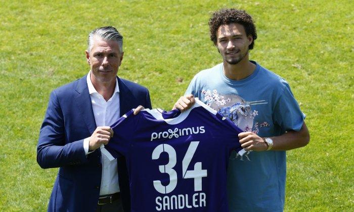 官方:曼城小将桑德勒租借至安德莱赫特一个赛季