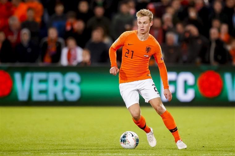 德容:现在外界对荷兰的看法很积极,巴萨更衣室就是如此
