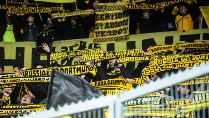 因球迷在欧冠比赛中行为不当,多特蒙德被罚款3万欧
