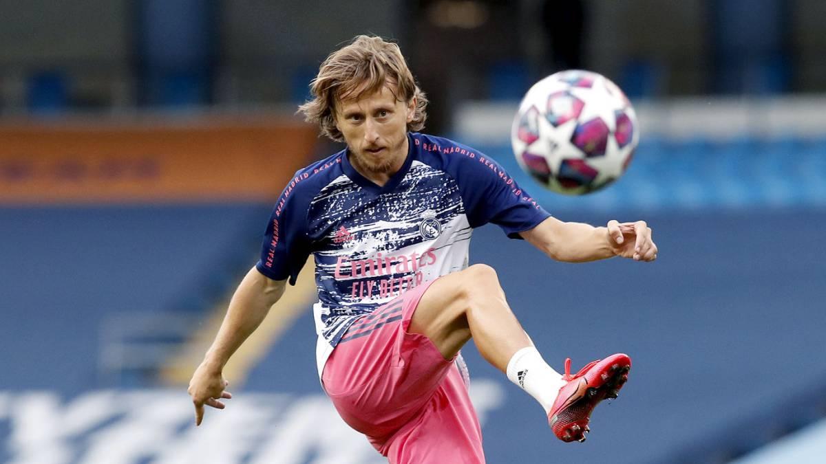 阿斯报:莫德里奇仍希望留在皇马,愿降薪与球队续约