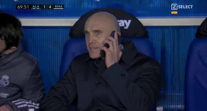 遥控指挥,皇马助教比赛中给在家隔离的齐达内打电话