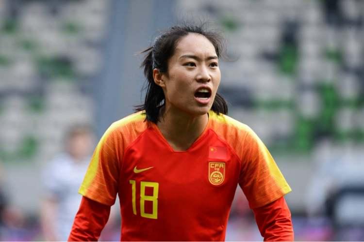 官方:上海女足球员唐佳丽加盟英超热刺女足