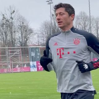 """""""拜仁慕尼黑""""2021年4月12日视频"""