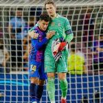 FairPlay 🤝  @manuelneuer @phil.coutinho   #FCBayern #MiaSanMia #FCBFCB