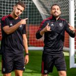 🤙 @AlexTelles13 new look ✂️  #MUFC #ManUtd
