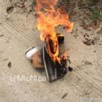 极端球迷焚烧皇帝球鞋